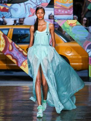 La-robe-k-way-de-DKNY_exact780x1040_p