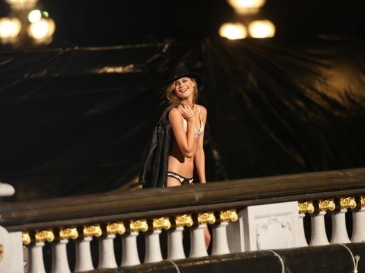 Les-Anges-de-Victoria-s-Secret-a-Paris_exact780x585_l8