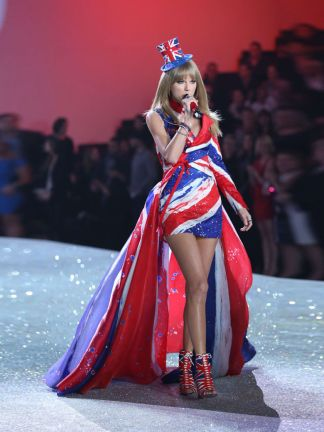 Taylor-Swift_exact780x1040_p